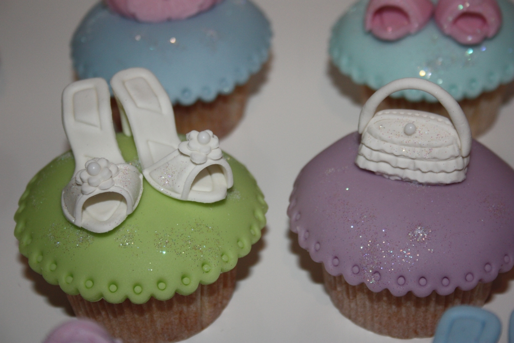 cupcake deko workshop ladies night donnerstag. Black Bedroom Furniture Sets. Home Design Ideas