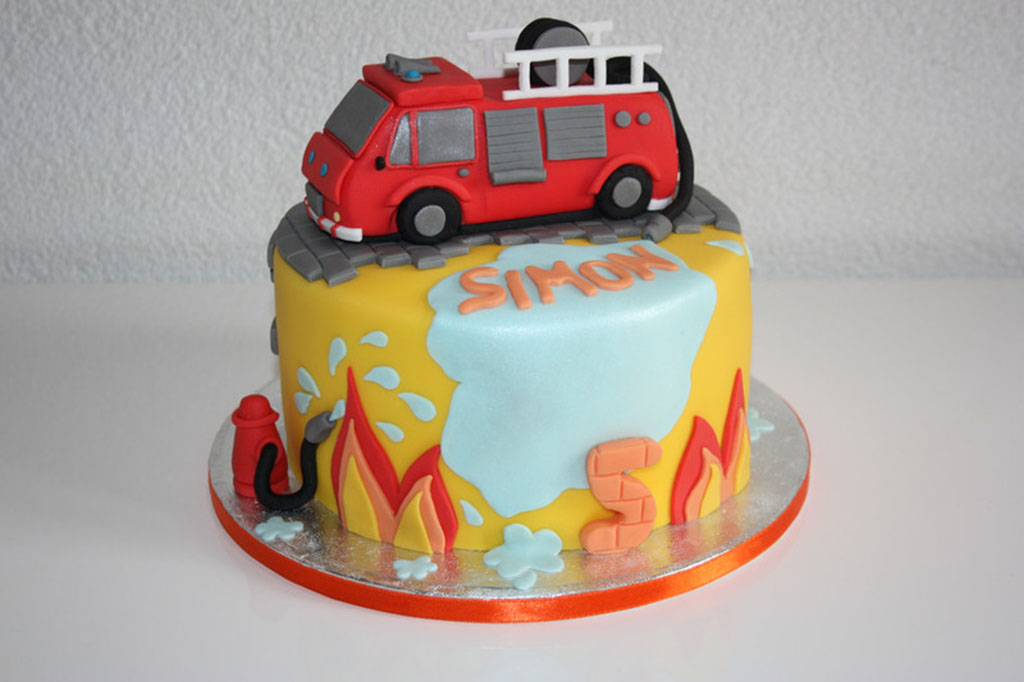 Feuerwehr Kuchen Mit Fondant Geburtstagskuchen