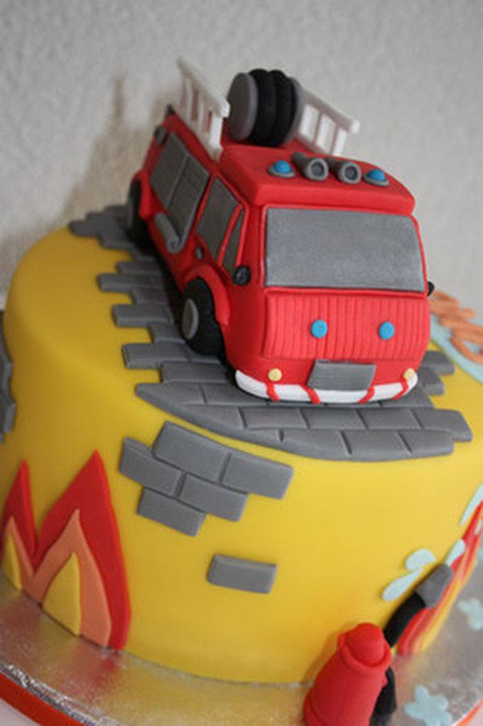 Feuerwehr Torte – Lealu-Sweets